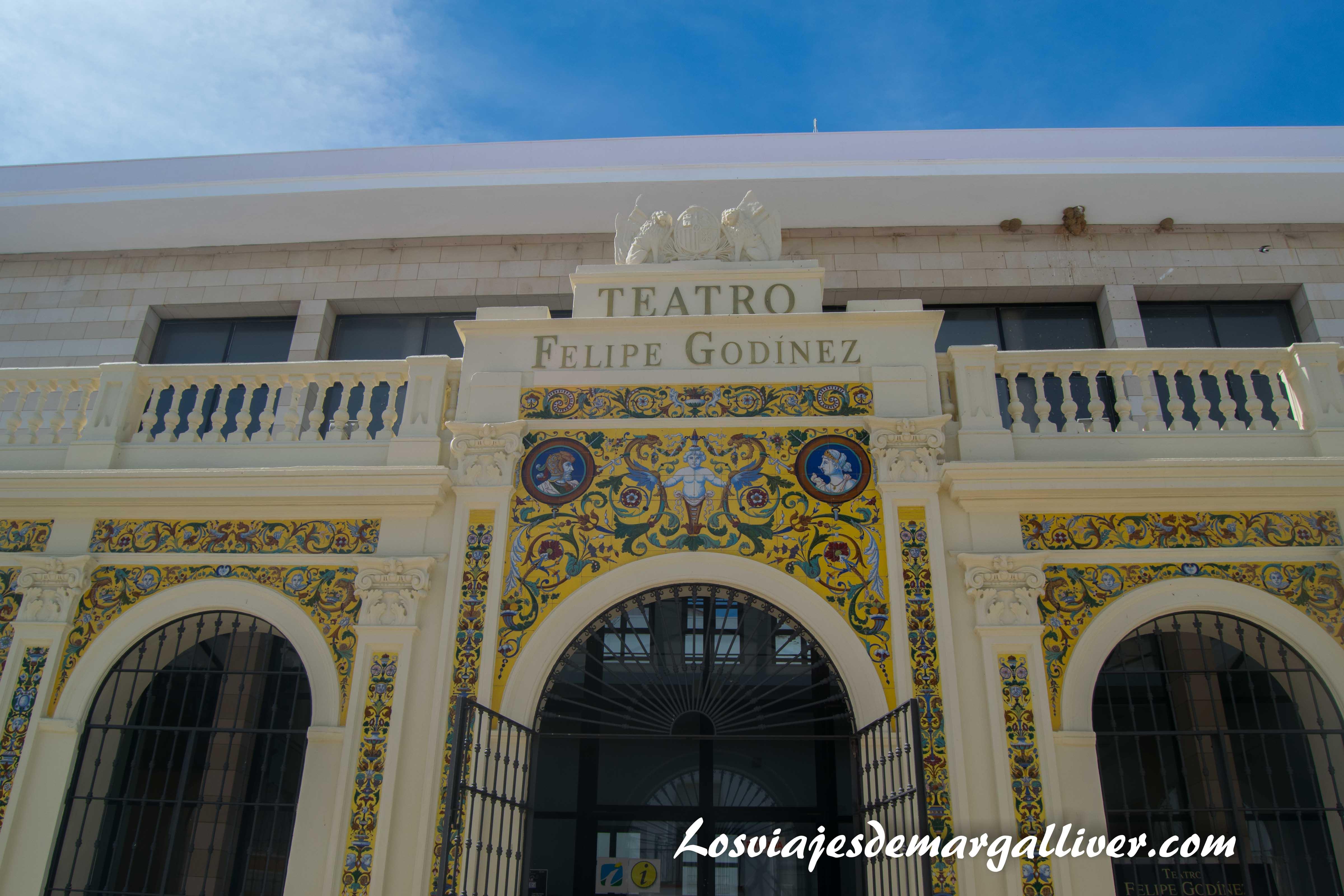 Teatro Felipe Godínez en Moguer - Los viajes de Margalliver